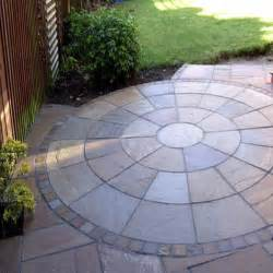 Patio Slabs by Autumn Brown Indian Sandstone Natural Circle Patio Paving