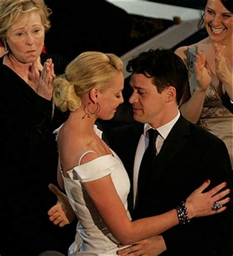 59th Emmy Awards Carpet The Greys Anatomy by Katherine Heigl Hugs T R After Name Was