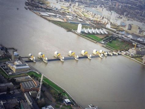 thames barrier closure event this is what london would have looked like last night