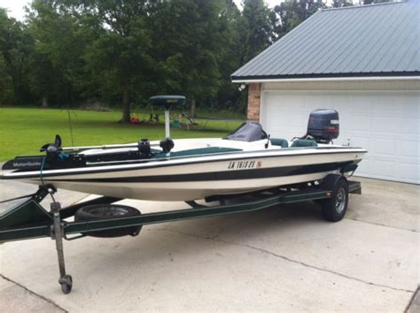 bass boat console 1996 bullet center console bass boat for sale in baton