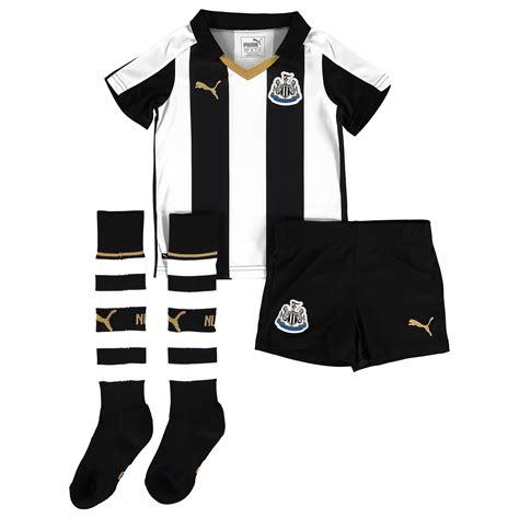 Newcastle United Mini Football Boots childrens football soccer newcastle united home