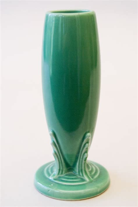 Bud Vases For Sale by Vintage Fiestaware Bud Vase In Original Green Glaze For Sale