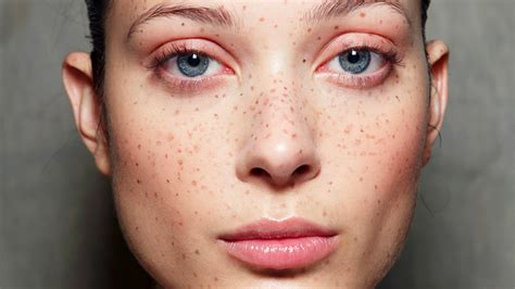 cosmetic tattoo freckles should you get freckle tattoos pics review stylecaster