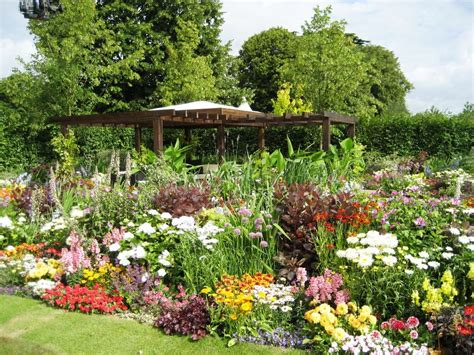 Flower Garden Designs And Layouts Flower Garden Designs For Better Garden Designwalls