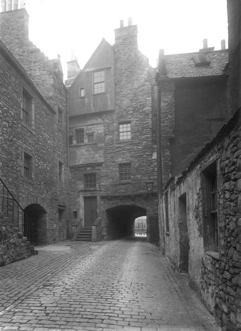 Discovering Bakehouse Close, Edinburgh - The Stirling