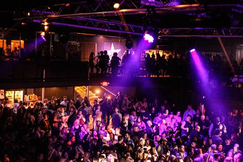 the fans avenue prince fans dance the night away at first avenue family