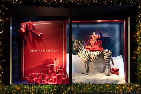 christmas window displays  discount displays blog
