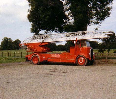fire engines  leyland turntable ladder