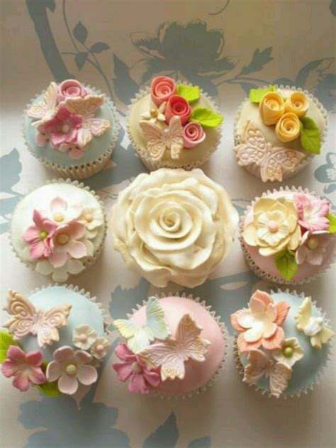 beautiful cupcake beautiful cupcakes fabulous cupcakes pops shots