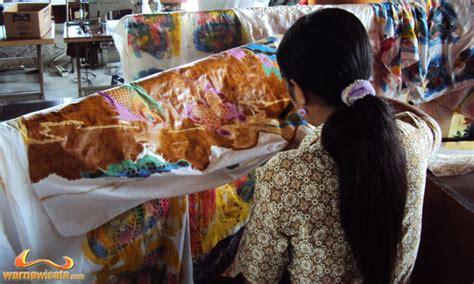 Pensil Kayu Orang Oleh Oleh Khas Bali batik galuh bali wisata oleh oleh khas batik bali warnawisata