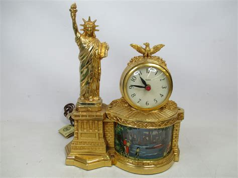 themes clock classic vintage new york theme statue of liberty united shelf clock