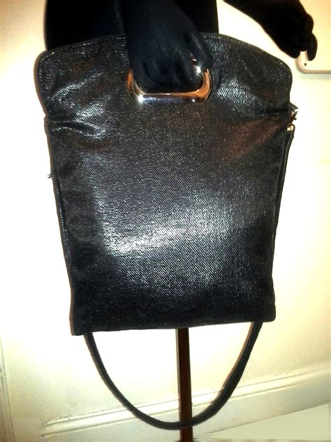 Tote Black Pesenan Bu Femmi shopper tote black shiny canvas silver metal cut out handle shoulder sewing projects