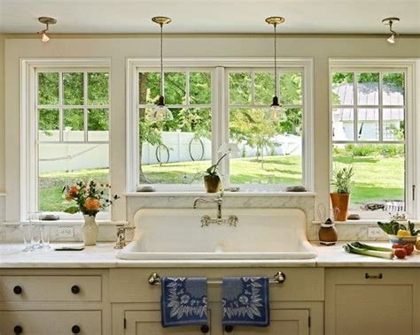 kitchen layout no nos large window across kitchen no upper cabinets and a big