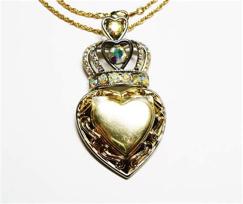 royal crown pendant necklace vintage retro jewelry