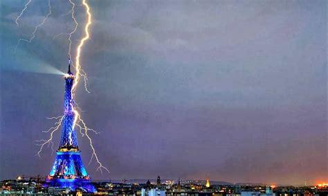 imagenes impactantes atentado paris caj 243 n de sastre misterioso un rayo descarga en la torre