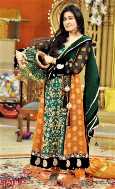 mehndi wear dresses  girls  deziners collection