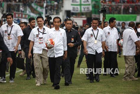 biodata jokowi dodo bola indo jokowi janjikan kantor baru untuk pssi