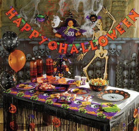 halloween party decoration ideas spooktacular halloween tricks treats from matalan