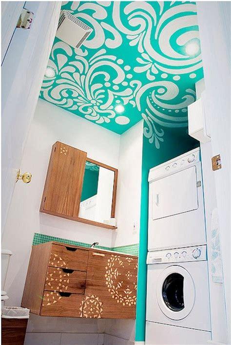 Tapete Mit Muster Tapezieren 22 bunte raumideen decke streichen und tapezieren