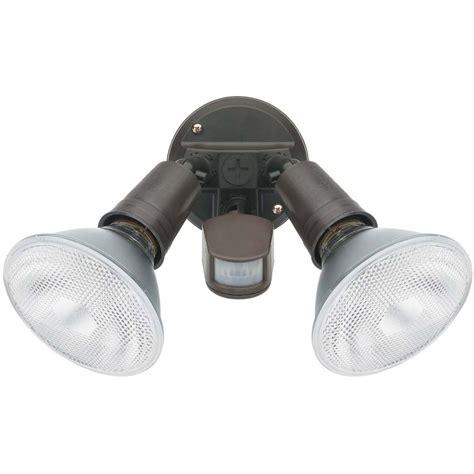 Sensored Outdoor Lights Globe Electric 79100 Black 300 Watt Two Light Infrared Motion Sensored Outdoor Security Light