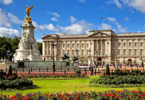 buckingham palace buckingham palace the most beautiful palace in the world mathias sauer