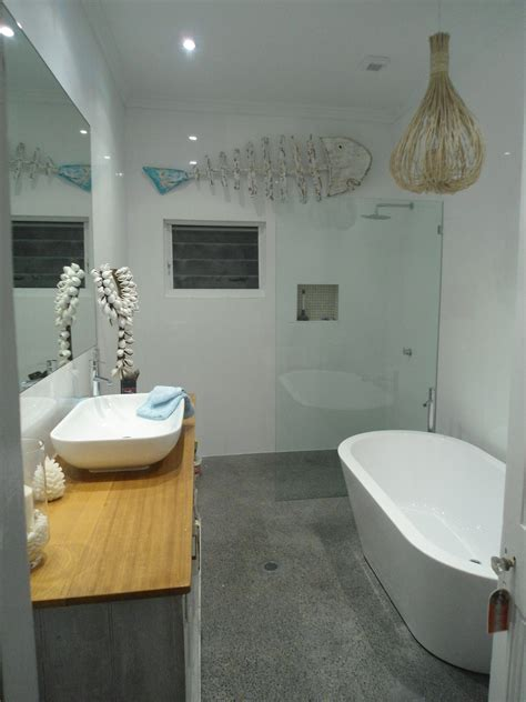 Small Bathroom With Tub And Shower Great Layout For Separate Shower And Bath For A Small Space Www Seacoastrealty Bathroom