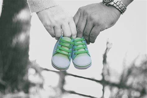 coming  newborn baby  photo  pixabay