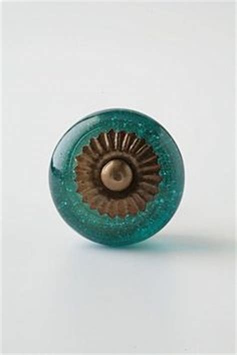 Pretty Drawer Knobs 1000 Images About Pretty Drawer Pulls On