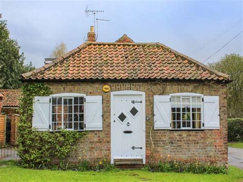 Cottages Lincolnshire by Wisteria Cottage In Bolingbroke This Semi Detached