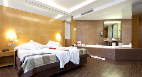 Hotels With Jacuzzis In The Room by Suite Rooms Hotel Sb Icaria Barcelona Official
