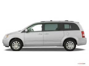 2009 Chrysler Town And Country 2009 Chrysler Town Country Prices Reviews And Pictures