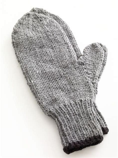 knit mittens best 25 knit mittens ideas on knitted mittens