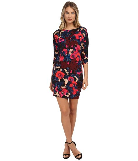 donna 3 4 sleeve printed scuba wedge dress at 6pm
