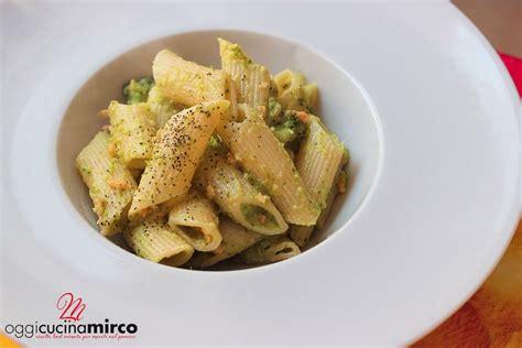 come cucinare i broccoli con la pasta pasta con broccoli e salmone affumicato oggicucinamirco