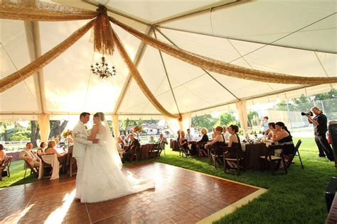 rent a backyard for a wedding domino s tents 4 rent