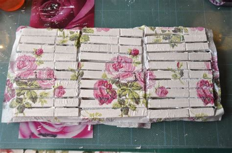 tutorial decoupage with napkins decoupaged clothespins tutorial decoupage clothespins