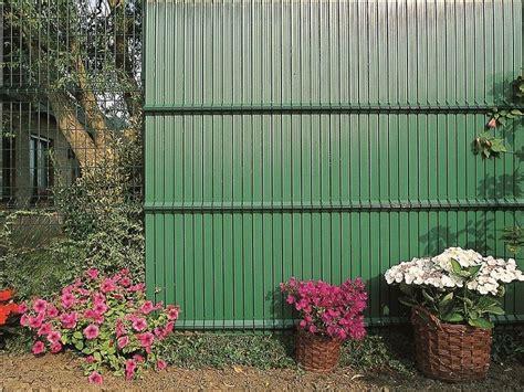 recinzioni da giardino in pvc recinzione paravista in pvc screeno 174 line betafence italia