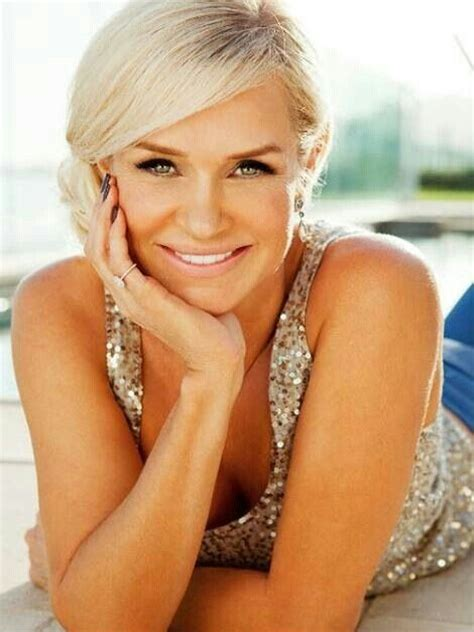 yolanda side bangs a real housewive of beverly hills yolanda foster a