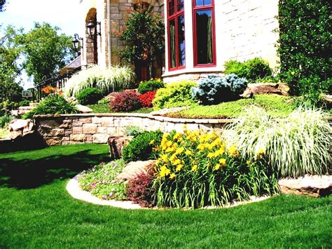 Small Front Garden Landscaping Ideas Colorado Front Yard Garden Landscape With Lawn Brown Gates Chsbahrain