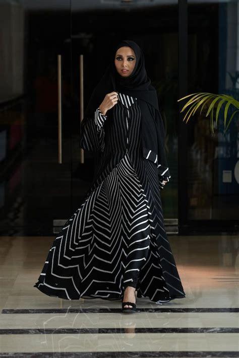 Hitam Black Model Kimono printed and embroidered kimono style abaya collection