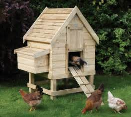 Backyard Chicken Coop Ffa On Chicken Coops Coops And Banquet Centerpieces