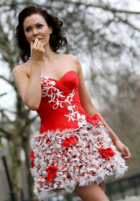 short christmas wedding dress   Sang Maestro