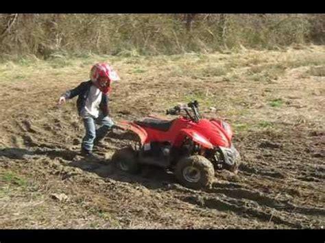 mudding four wheelers kids mudding on their 4 wheelers youtube