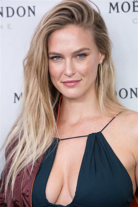 bar refaeli bar refaeli photos photos bar refaeli and moet chandon