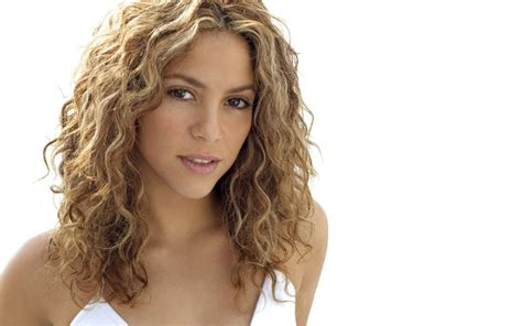 haircuts for latina women in their late 20s who have naturally curly hair 50 things you probably didn t know about shakira people
