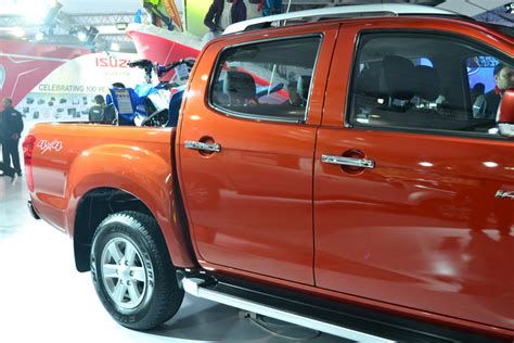 Xblade Cross 04 auto expo 2016 isuzu unveils india s adventure utility vehicle d max v cross news18