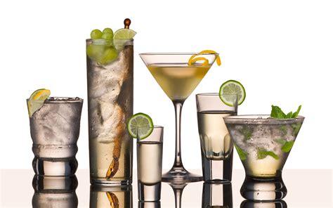 Glasses For Cocktail Drinks 8 Vodka Drinks You Should Everybody Cocktails