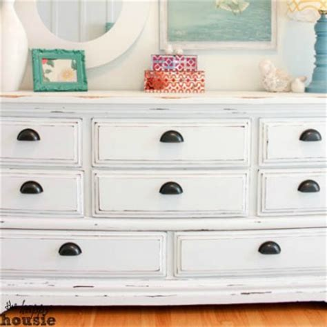 White Chalk Paint Bedroom Furniture by Painted Furniture Archives The Happy Housie