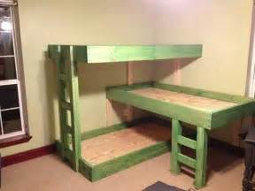 Bunk Bed With 3 Beds 3 Tier Bunk Beds I Can Make These Chang E 3 Beds And Bunk Bed