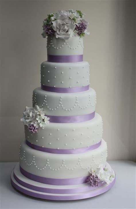 classic purple and white wedding cake with marzipan roses 26 best images about purple cakes on pinterest lilac
